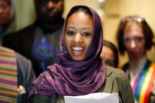 Larycia Hawkins purtând un hijab - imagine preluată de pe www.theatlantic.com