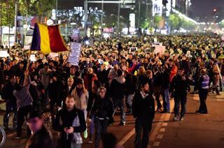 imagine de la protestele din România - imagine preluată de pe google images