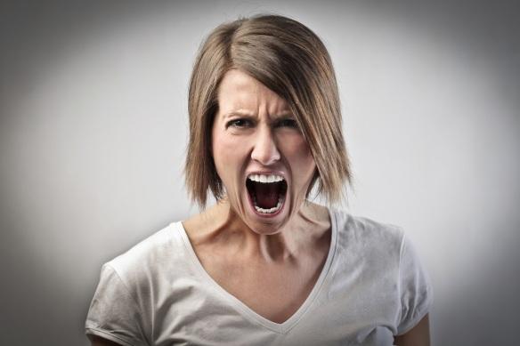 Femeie furioasă - imagine preluată de pe site-ul bustle.com via google images