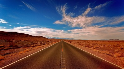 Drum prin deșert - foto de Johannes Plenio - unsplash.com